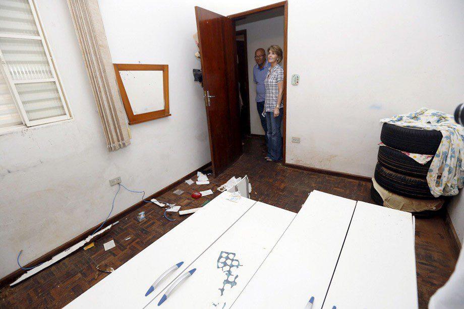 Secretaria do Trabalho e Desenvolvimento Social Fernanda Richa visita as regiões atingidas pela chuva, na foto atendimento aos moradores de Joaquim Távora.Foto:Rogério Machado / SECS