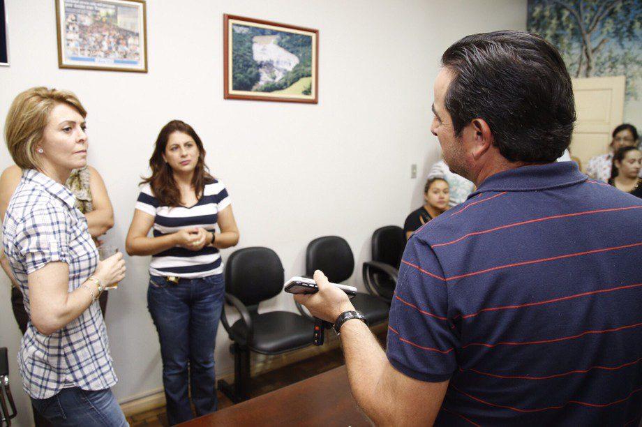 Secretaria do Trabalho e Desenvolvimento Social Fernanda Richa visita os municípios atingidos pela chuva.Na foto região de Tomazina.Foto:Rogério Machado / SECS