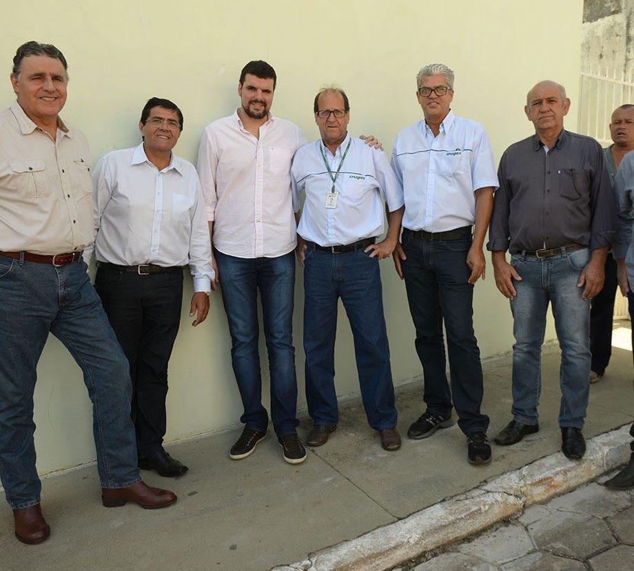 Entrega de 24 casas para famílias rurais de São José da Boa Vista.
